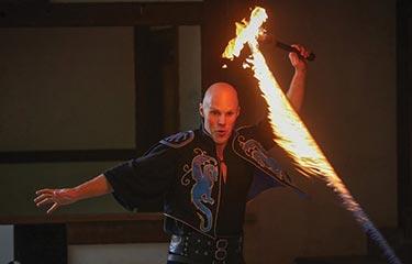 scarborough-faire-flame-juggler