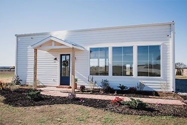small building on 10 acres in south Waxahachie