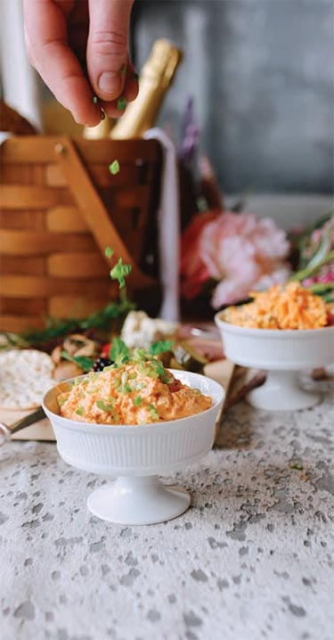 posh-picnic-buffalo-ranch-chicken-dip