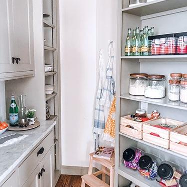 home-organizing-shelves